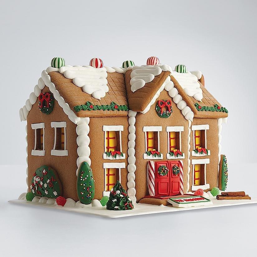 Fancy gingerbread house