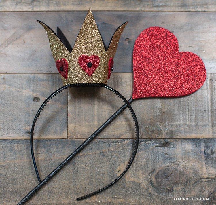 Queen Of Hearts Crown Template Diy Felt Halloween Crown Lia Griffith